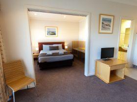 Port Lincoln Suites Bedroom