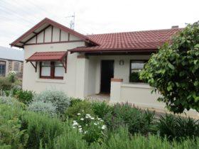 Mataro Cottage - front