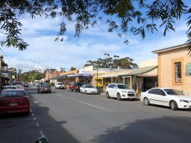 Moonta Shopping