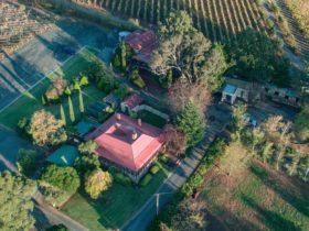Mt Bera Vineyard Cottage BnB aerial view