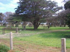 Old Cemetery Kingscote