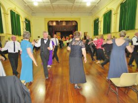 Old Style/New Vogue Dance Wallaroo