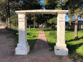 Percy Beaglehole Memorial Gate, Moonta