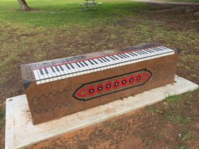 Piano Park Bench, Moonta