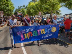 Tunarama Street Parade
