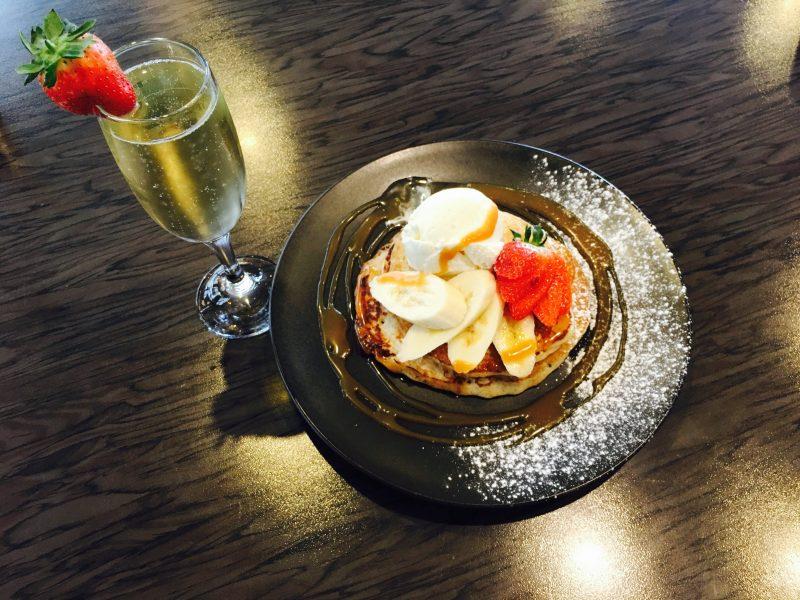 Pancakes & sparkling wine - Del Giornos