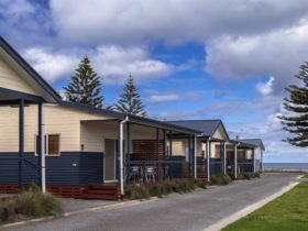 4 star deluxe cabins by the seaside