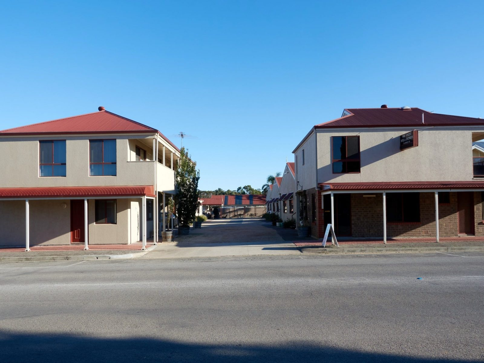 Entrance to Port Vincent Motel and Apartments