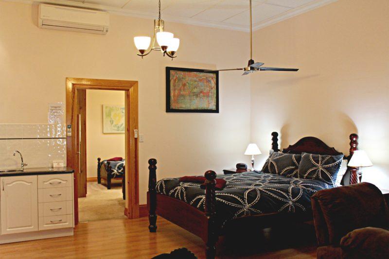 Shiralee Apartment