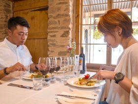 Couple enjoying Reillys Long Lunch