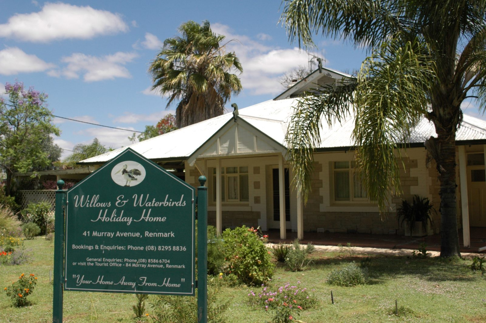 renmark holiday home front