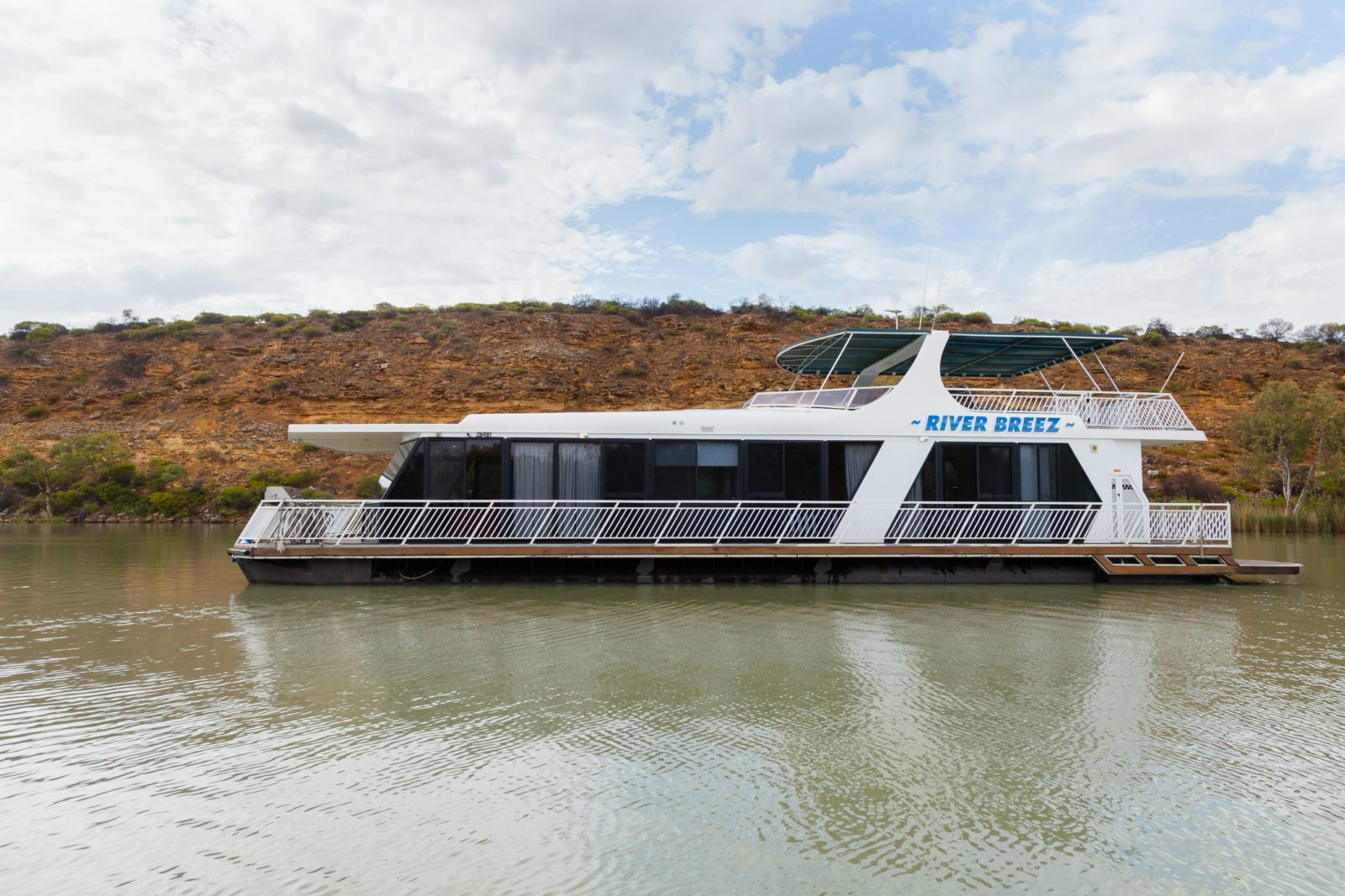 River Breez Houseboats