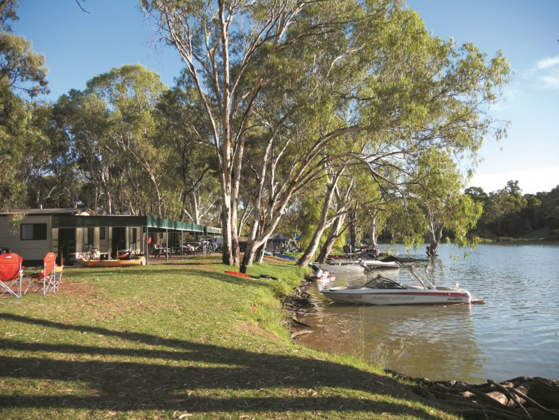 Enjoy the Mighty Murray River!