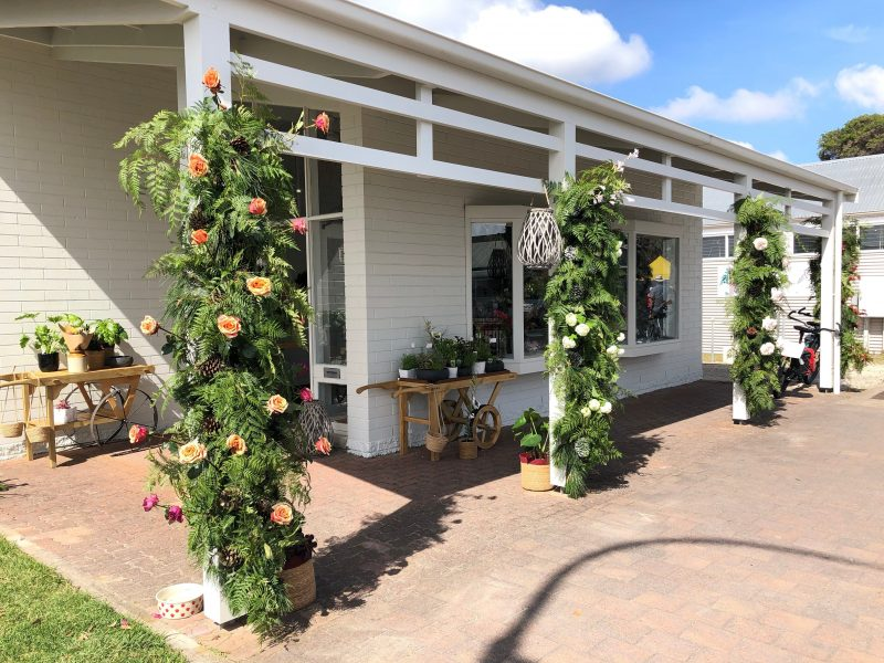 Exterior of Robe FLower School and Starling Flowers