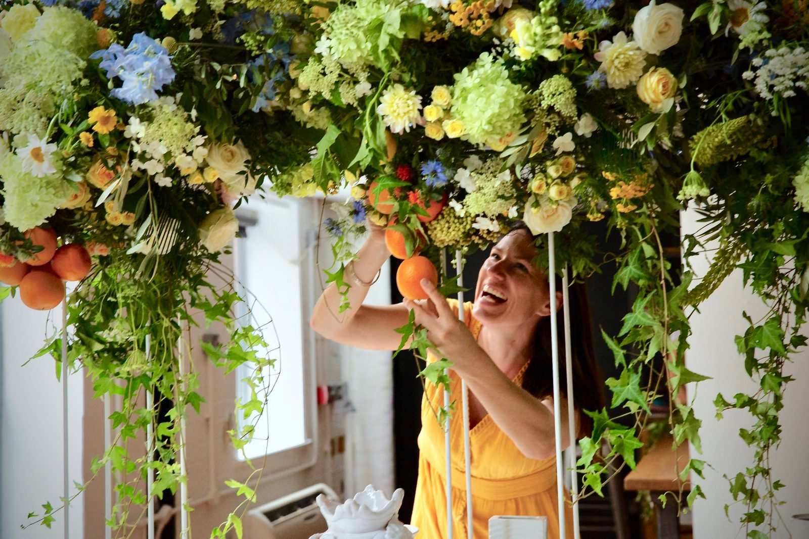 Robe Flower School. No previous experience required.Full and half day classes. Creative and fun.