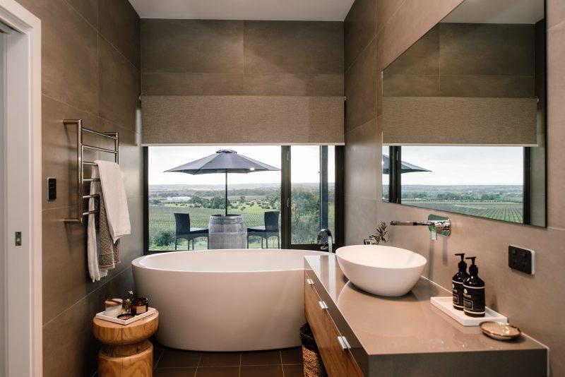 Bath tub vineyard bathroom