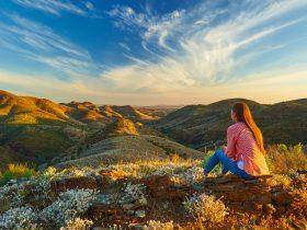 Walking in the Flinders Ranges