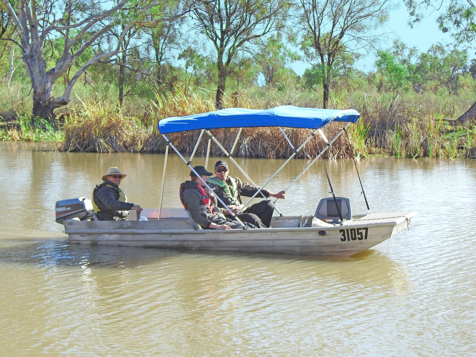 Unique and personal Dinghy Cruises through the backwaters of the Murray River