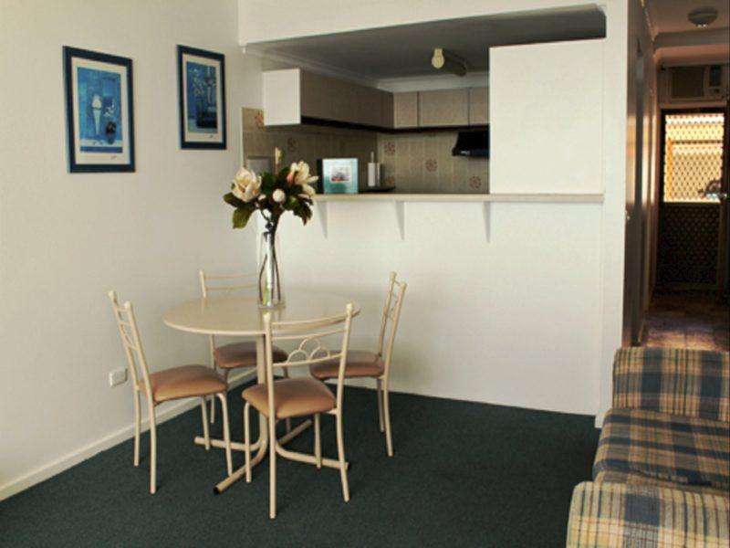 Dining, Lounge & Kitchen