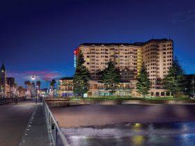 night, stamford grand adelaide, glenelg, hotel, beach , lights,