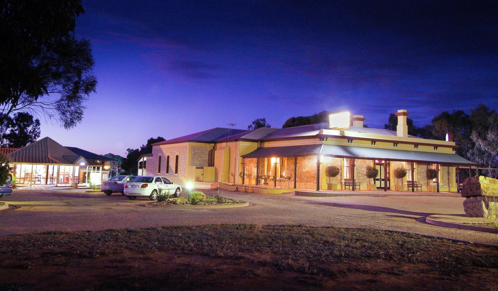 Accommodation in Port Augusta - Standpipe Golf Motor Inn
