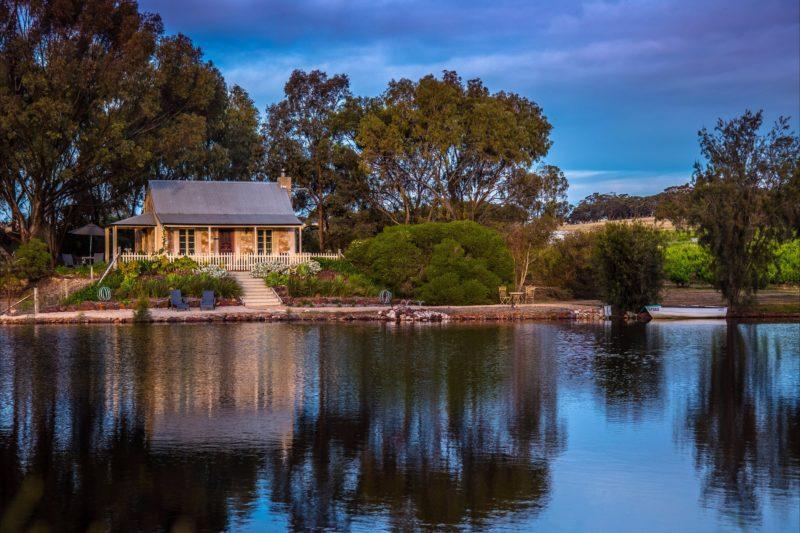 Cupids Cottage - idyllic waterfront setting
