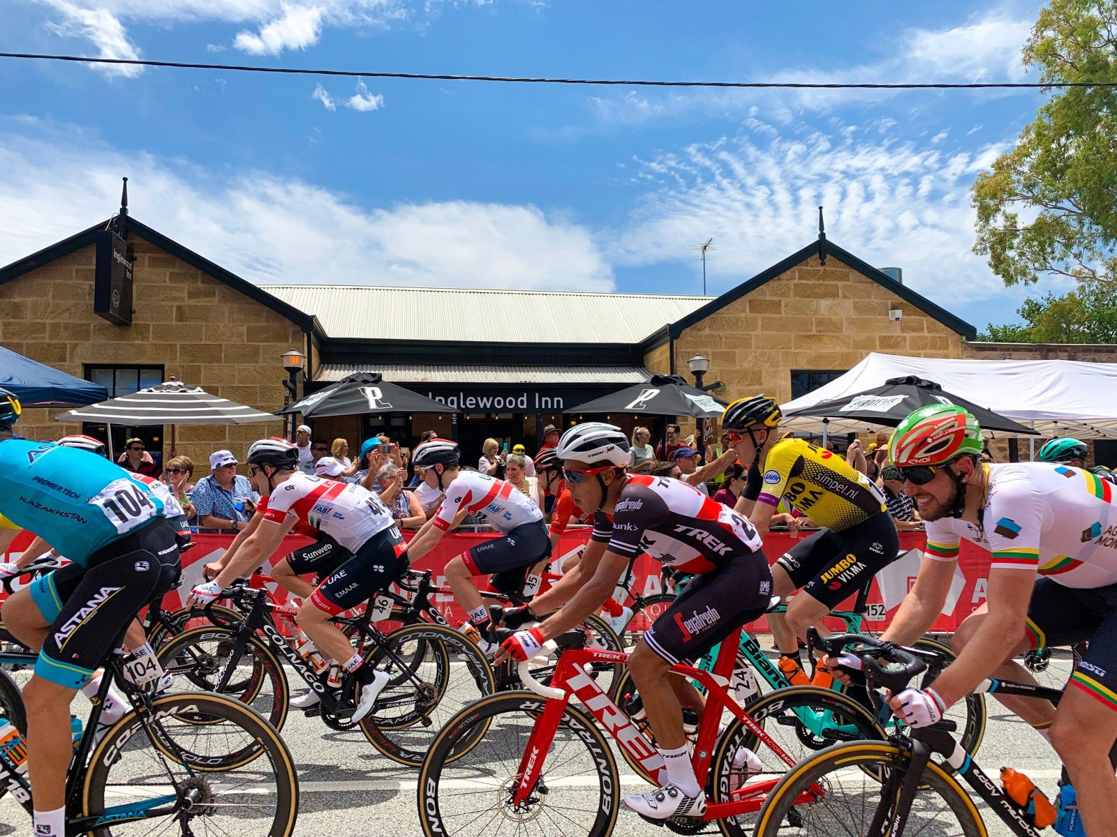Tour Down Under going past the Inglewood Inn