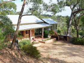 Trestrail Cottage nested perfectly to face the East sunrise and take in the Clare Valley views