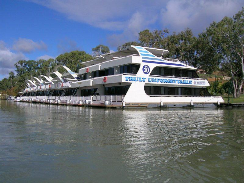 Unforgettable Houseboat Fleet