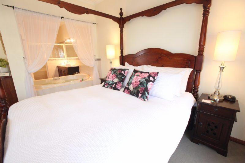 Four poster bed, bedside spa bath