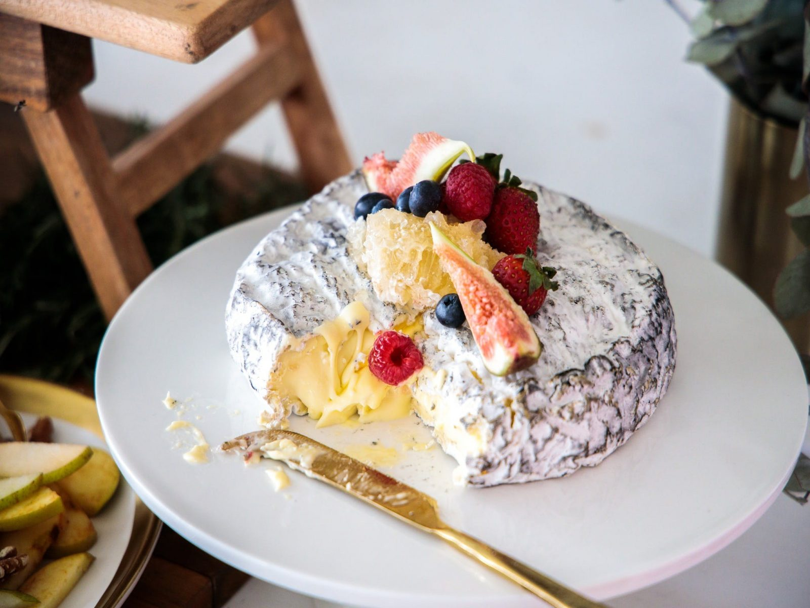 Ashed Brie With Honey and Fruit