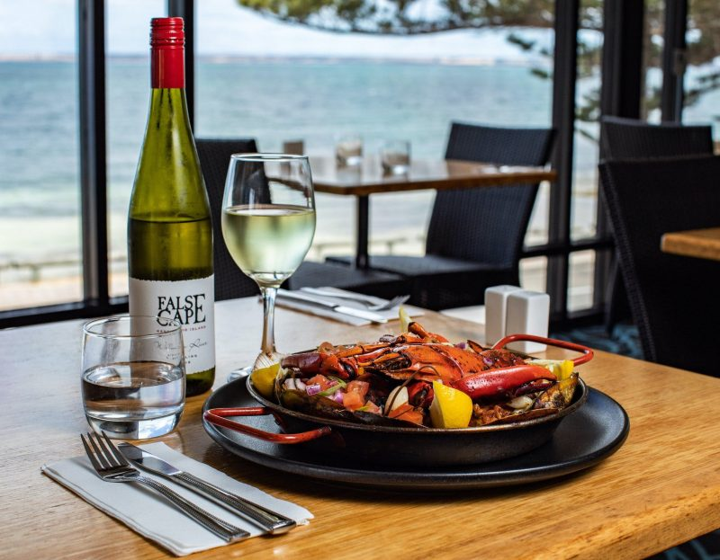 Ocean view, dining, seafood, local produce