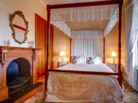 Abbey's Spa main bedroom