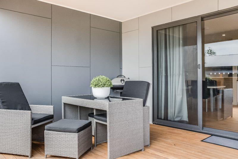 1 bedroom - outside deck