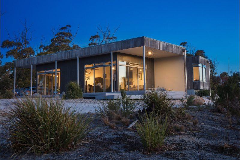 Aplite House, Self Catering Luxury Eco Accommodation, Friendly Beaches, Coles Bay, Tasmania