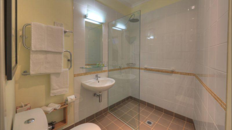 Africa en-suite bathroom