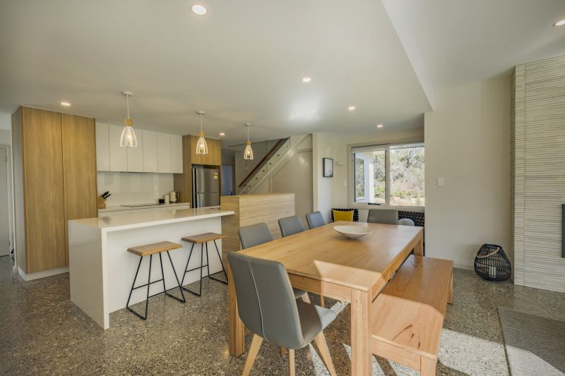 Baileys Beach House - Kitchen & Dining - Bay of Fires