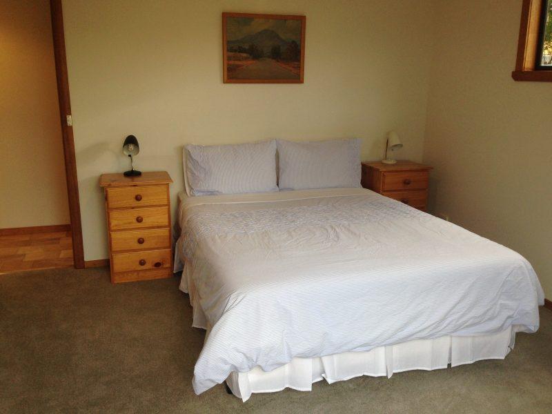 Breakaway Bay of Fires - Master Bedroom