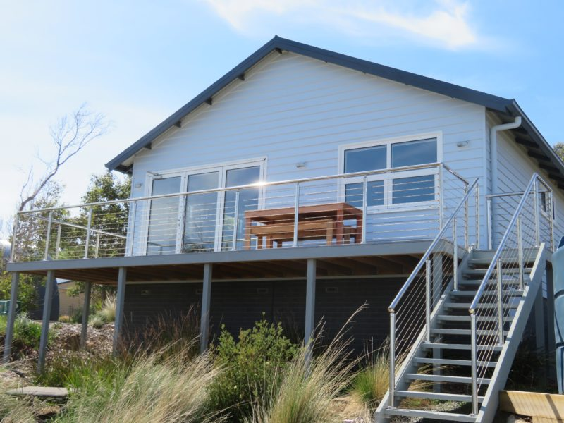 Steps with easy access to the waterfront