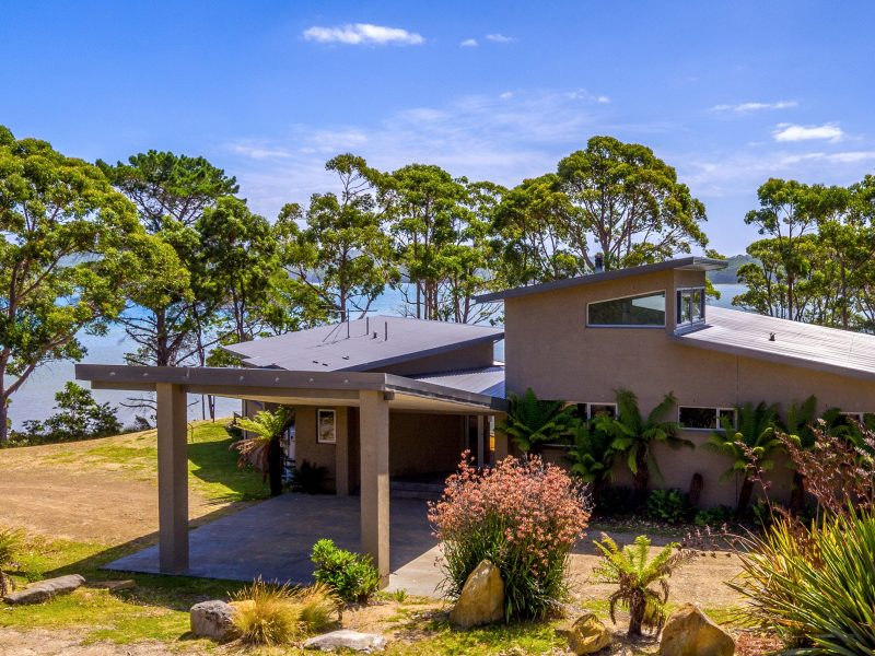 Cloudy Bay Lagoon Estate: entrance to house and parking.