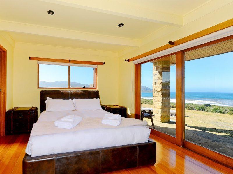 Cloudy Bay Villa - Master Bedroom