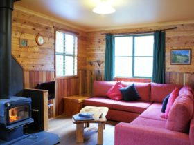Two bedroom cottage lounge