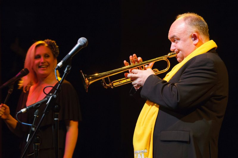 James Morrison playing trumpet with Emma Pask
