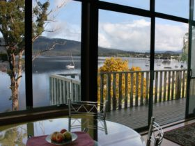 luxury waterfront accommodation Huon Valley Tasmania