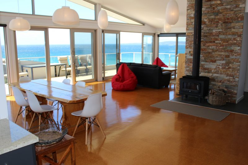 Eleven62 Bay of Fires - Living area