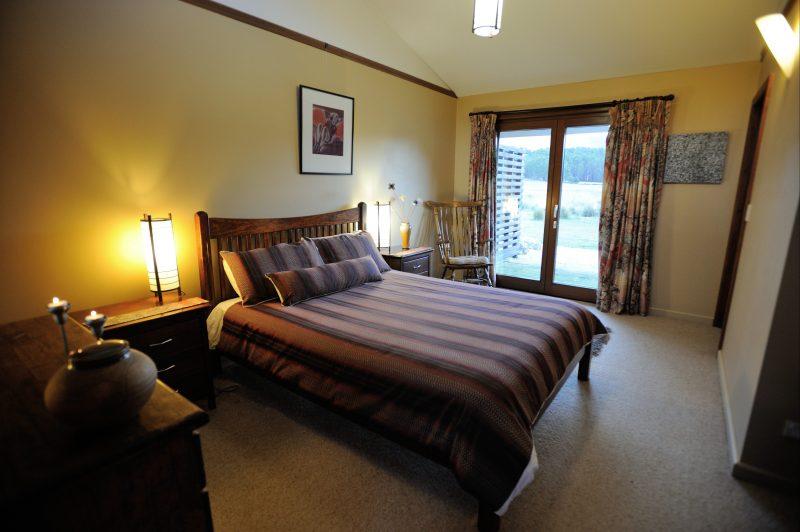 Queen bedroom Forest Walks Lodge Great Western Tiers Tasmania