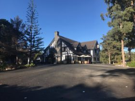 Exterior Fox and Hounds Inn