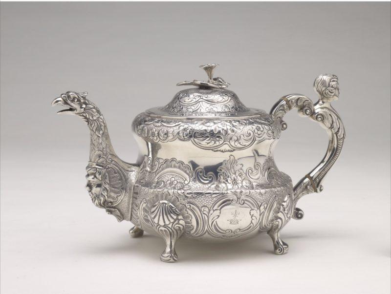 Teapot, Dublin c1775