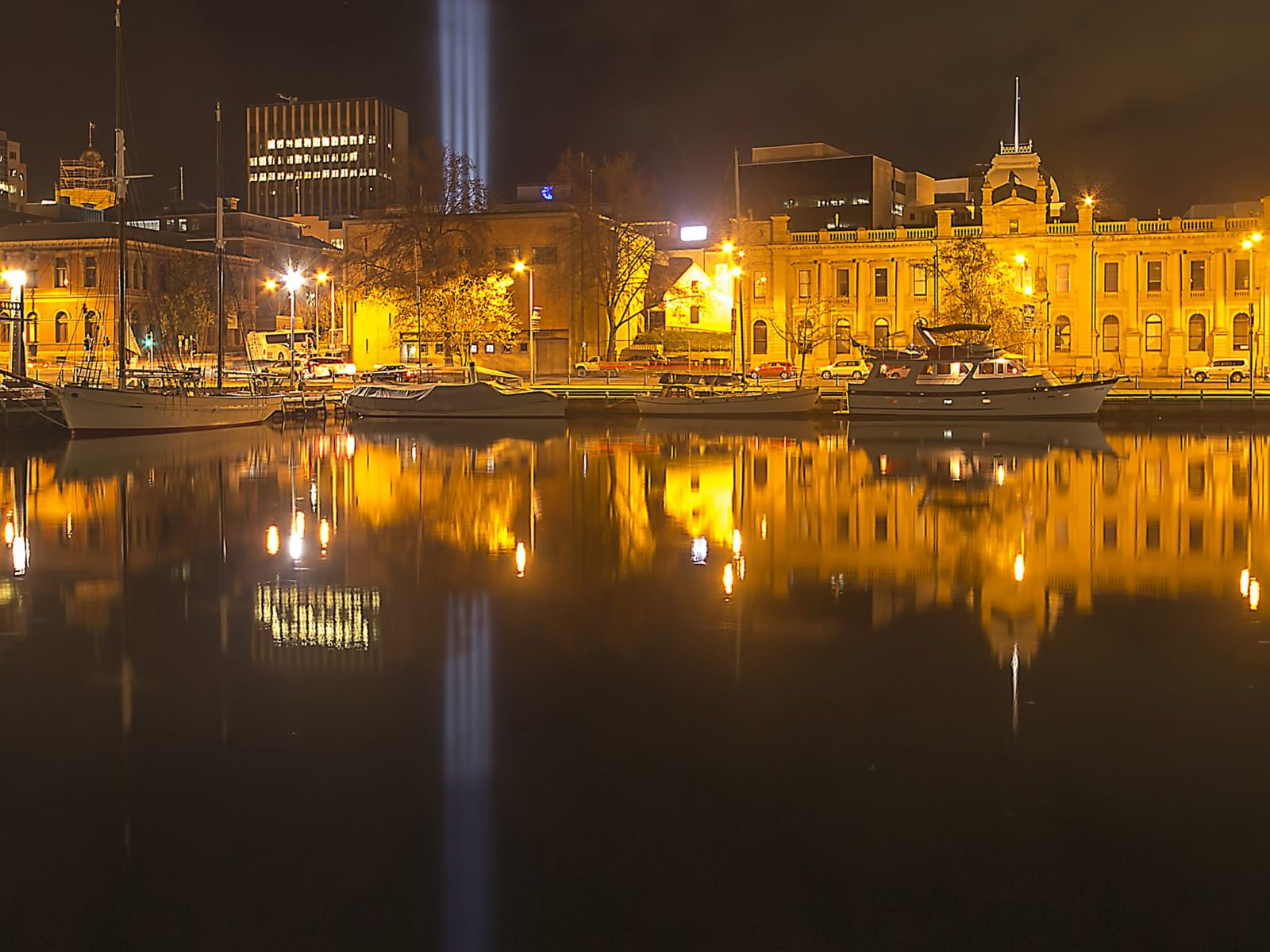 May Queen, Constitution Dock and the Customs House at night
