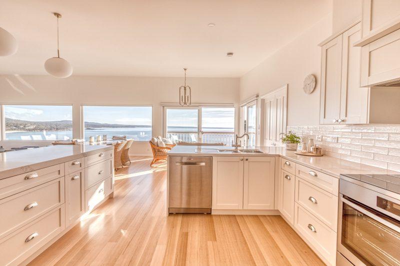 Nautilus Bay of Fires - Kitchen